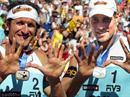 Sascha Heyer (r.) und Paul Laciga (l.) mit ihren Medaillen.