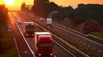 Autobahn, Autos, Sonnenuntergang