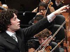 Gustavo Dudamel mit dem Sinfónica de la Juventud Venezolana Simón Bolívar.