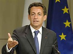 Nicolas Sarkozy fordert Robert Mugabe zum Rücktritt auf.