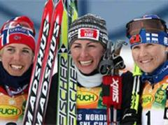 Jubel von Kristin Stoermer Steira, Justyna Kowalczyk und Aino Kaisa Saarinen.