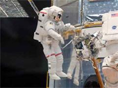 Astronaut John Grunsfeld war acht Stunden im Ausseneinsatz.