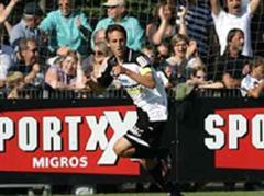 Sandro Bürki nach seinem Tor zum 1:0.