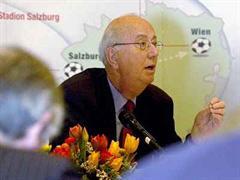 SFV-Präsident Ralph Zloczower an der heutigen Abschlusspressekonferenz der EURO 2008 Kandidatur.