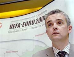 Thomas Helbling blickt mit Besorgnis Richtung EURO 2008.