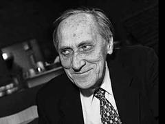Leszek Kolakowski erhält als erster Preisträger den John-W-Kluge-Preis.