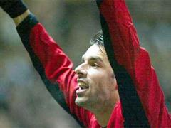 Manchesters Ruud van Nistelrooy jubelt nach dem Tor zum 1:0.