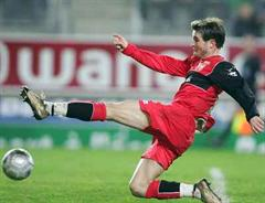 Alex Frei führt weiterhin das Torschützenklassement der Ligue 1 an.