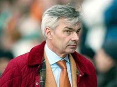 Dortmunds Manager Michael Meier befindet sich seit Monaten im Kreuzfeuer der Kritik.