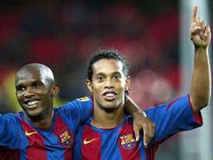 Ronaldinho (r) kostet 120 Millionen Euro.