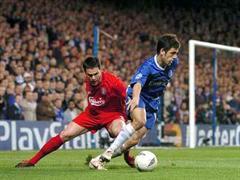 Immer wieder ein hochklassiges Duell: Liverpools Steve Finnan gegen Chelseas Joe Cole.