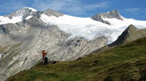 Wer sich der Natur verbunden fühlt, findet im Bergwandern das richtige Hobby.