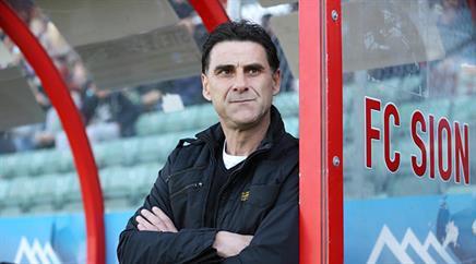 Sions Trainer Didier Tholot siebte sein Team.