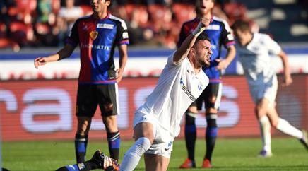 Zürichs Armando Sadiku jubelt nach dem Ausgleich gegen Basel.