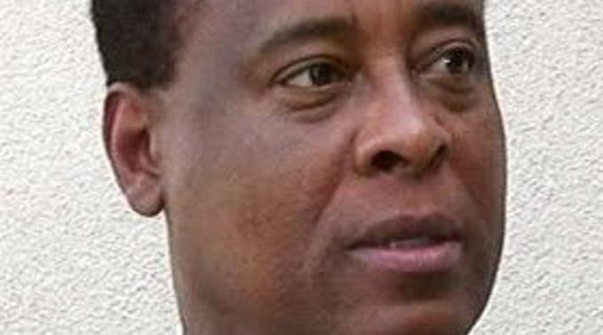 Soll Schuld sein an Jacksons Tod: Conrad Murray.