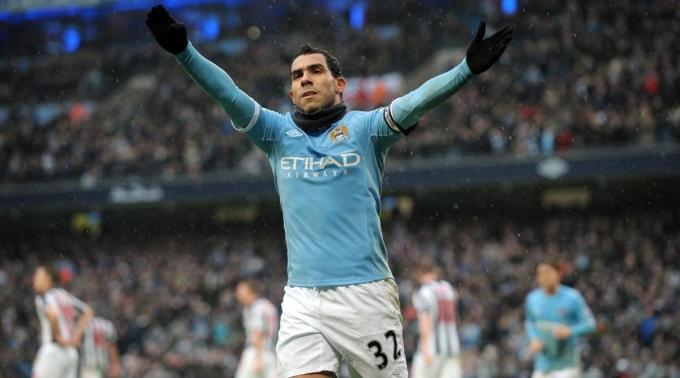 Dank Carlos Tevez' Hattrik konnte Manchester City seinen dritten Platz festigen