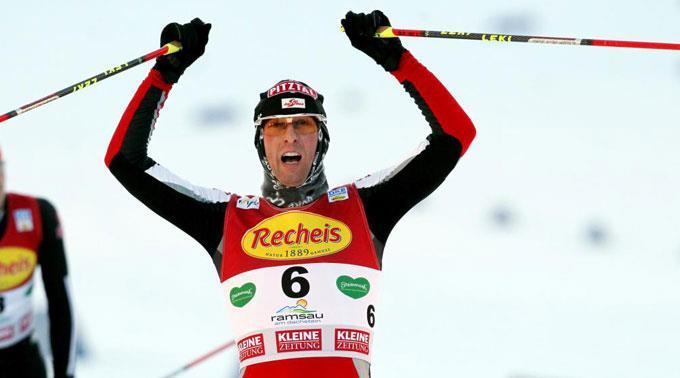 Vor zwei Jahren gewann Stecher kurz nach einer Knieoperation WM-Silber im Einzel von der Normalschanze.