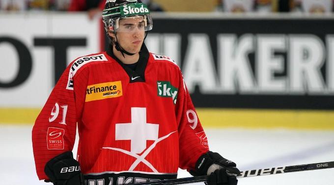 Grossmann hatte Timo Helbling unerlaubt gegen das Knie gecheckt. (Archivbild)