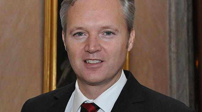 Schwedens Verteidigungsminister Sten Tolgfors nimmt den Hut.
