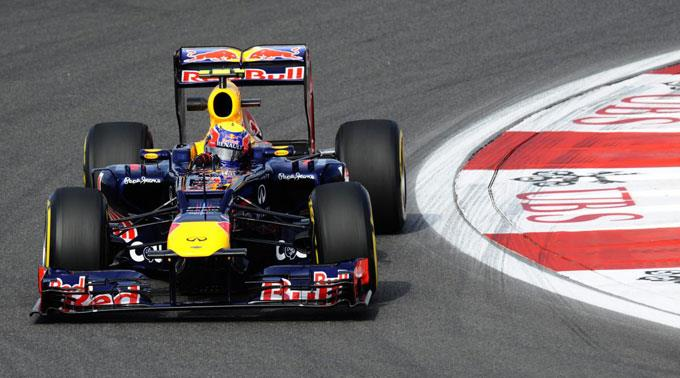 Mark Webber holt sich die Pole-Position.