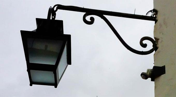 LED-Strassenbeleuchtung mit Bewegungssensor.