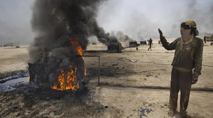 Al-Nusra Aktivisten besetzen Ölfelder