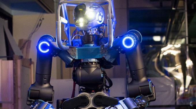 Dieser Super-High-Tech Roboter soll in Zukunft Einsatzkräfte ersetzen.
