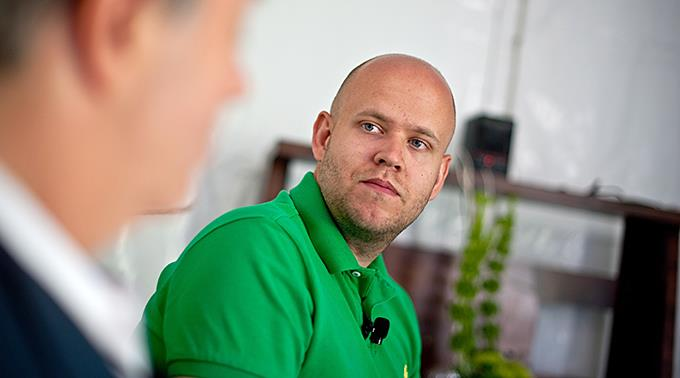 Der Gründer und Chef von Spotify Daniel Ek rückt von seiner ursprünglichen Position ab.