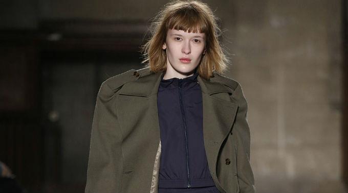 Vetements integriert Haute-Couture-Looks in seine nächste Laufsteg-Show.